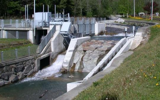 Una centrale idroelettrica
