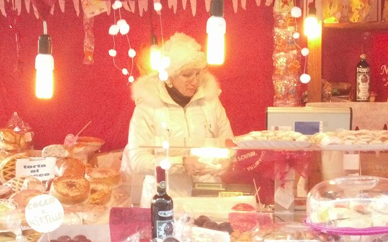 Viviana Pia Porrà, mercatino di Piazza Arringo