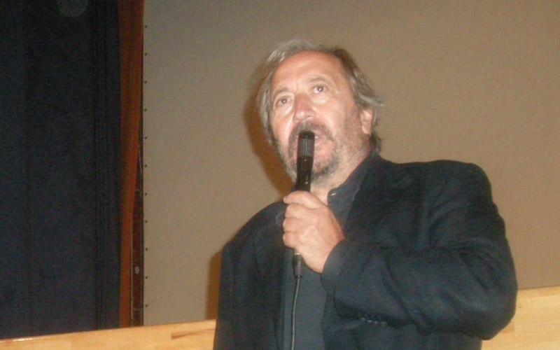 Giuseppe Piccioni durante la presentazione del film Il rosso e il blu a Cupra Marittima
