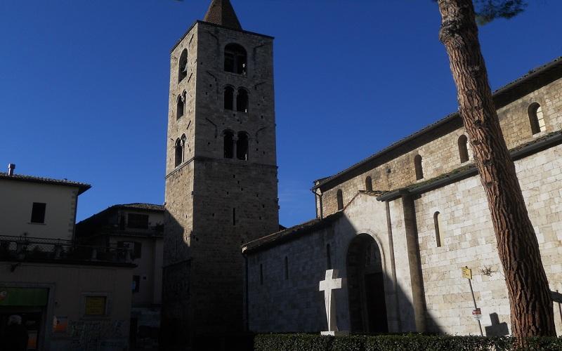 Santa Maria Inter Vineas: ingresso laterale