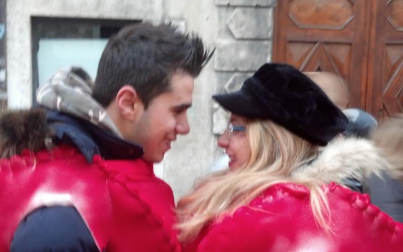 Carnevale ascolano 2013 (22) due cuori a metà per due innamorati