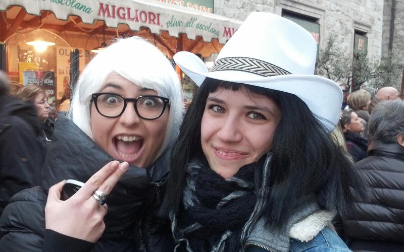 Carnevale ascolano 2013 (24) due belle ragazze