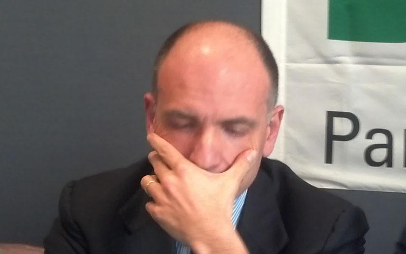 Enrico Letta pensieroso