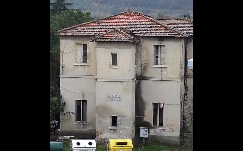 Ex asilo a Marino del Tronto in stato di abbandono