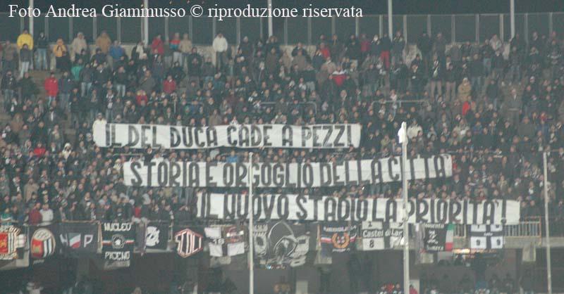 Ascoli-Virtus Lanciano, striscione polemico sul Del Duca da parte dei tifosi (giammusso)