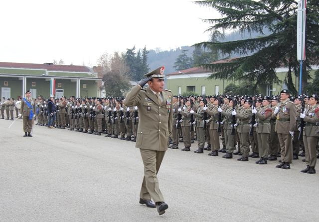Caserma Emidio Clementi, 1° febbraio 2012 - Il 235° rende gli onori alla massima autorità