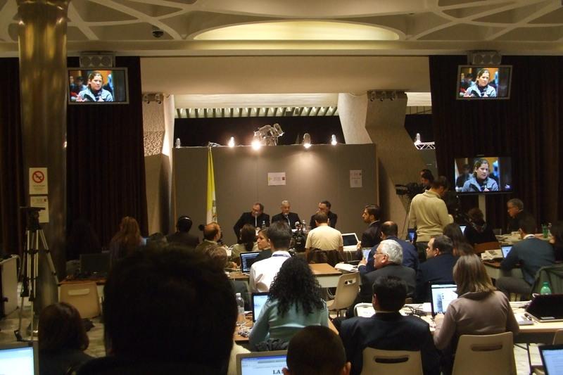 13 marzo 2013, Jorge Bergoglio nominato  sala stampa 6