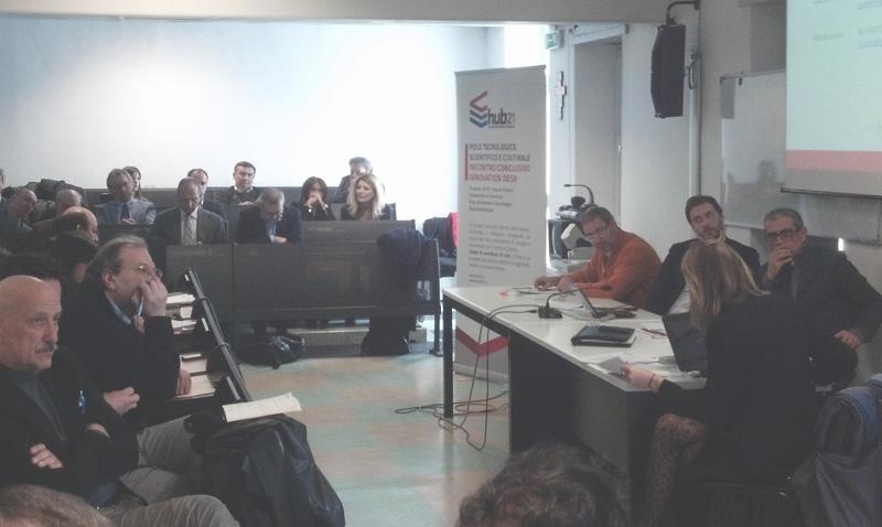 Un momento della presentazione di Hub21 da parte di Restart