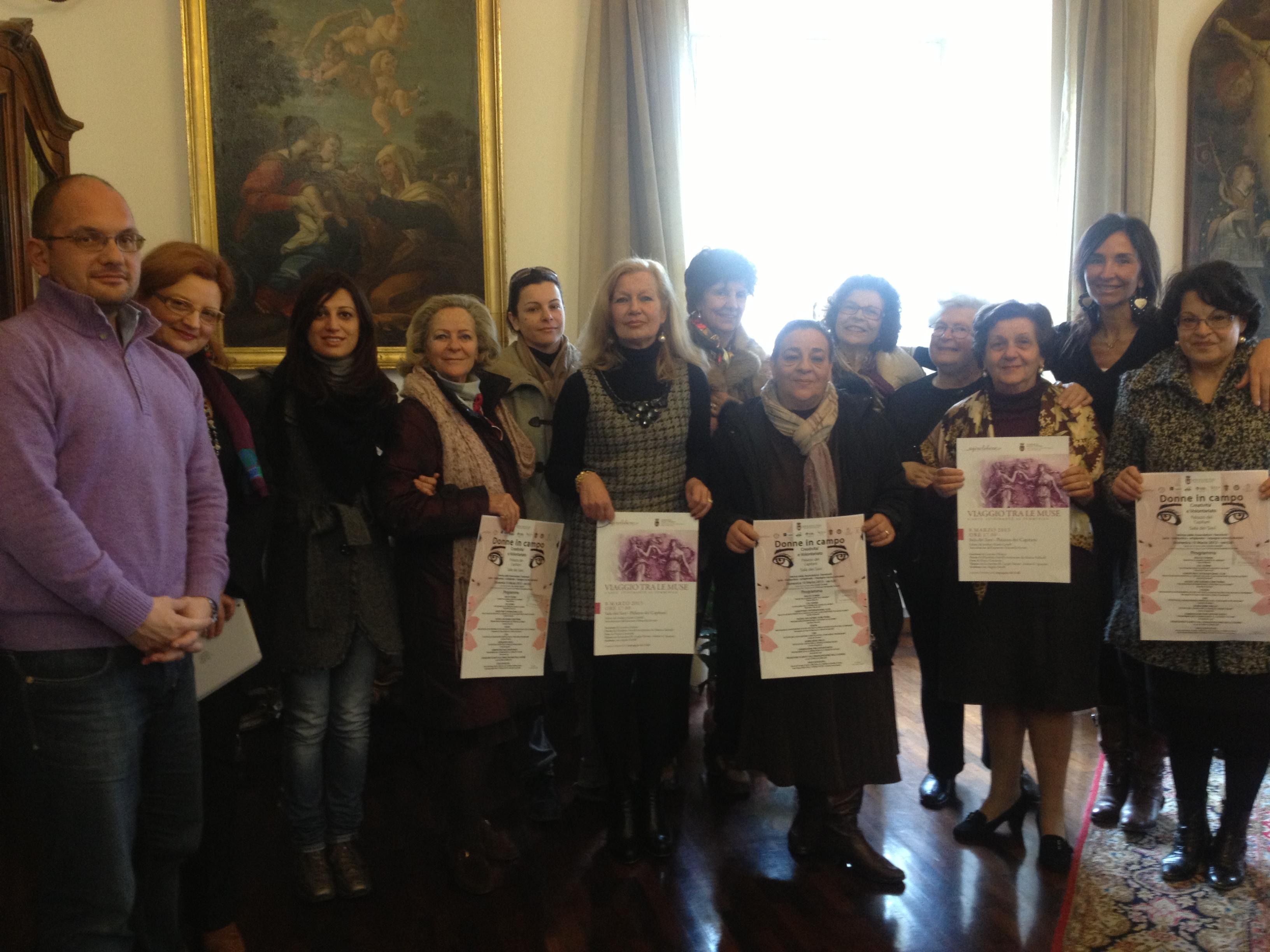 Festa della donna, il sindaco Castelli e l'assessore Ferretti con i rappresentanti delle associazioni
