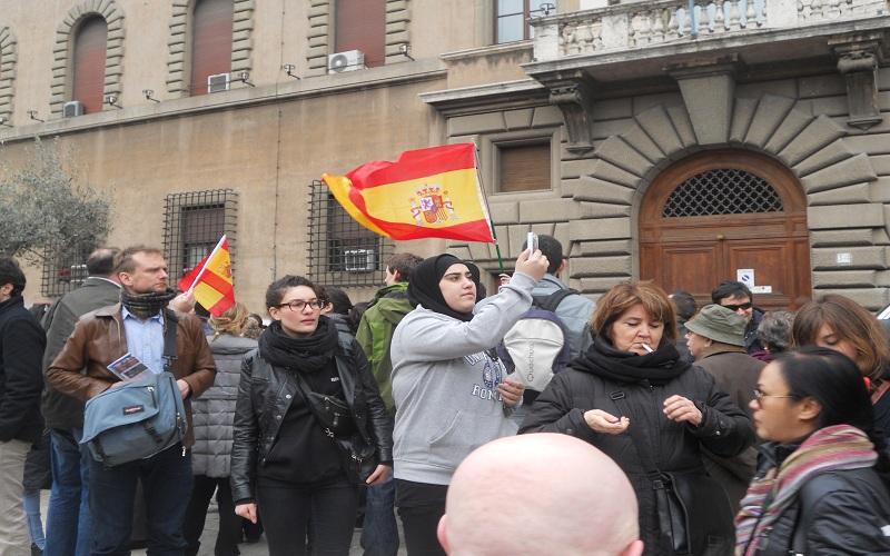 via della Conciliazione, gruppo di fedeli dalla Spagna