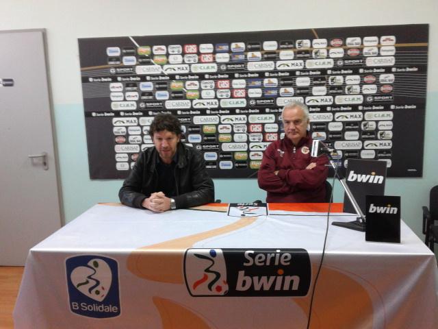 Il ds De Matteis con Silva in conferenza stampa