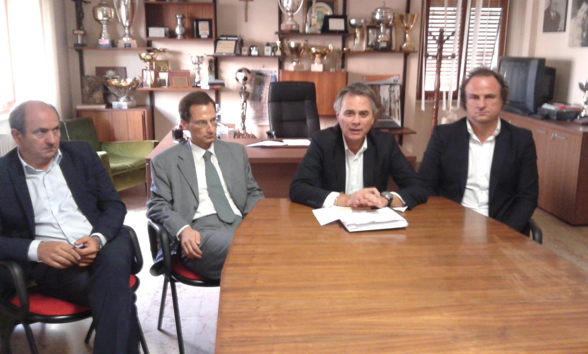 Da sinistra: il ds Fabiani e i tre componenti del cda, Tentoni, Manocchio e Stallone