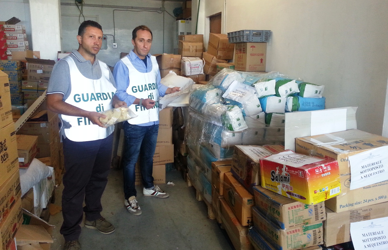 Sequestro di una tonnellata di alimenti scaduti a Porto Sant'Elpidio