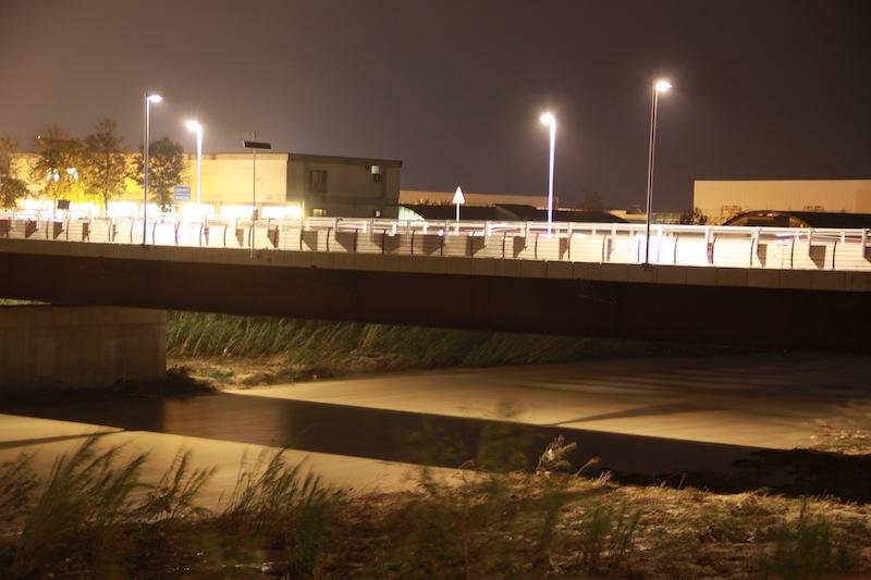 La piena del fiume Tronto il 13 novembre dopo l'apertura della diga (ph. Bianchini)