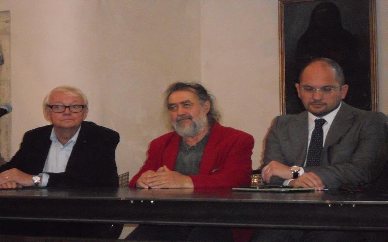 Da sinistra: il prof. Granat, il pittore Torregiani, il sindaco Castelli