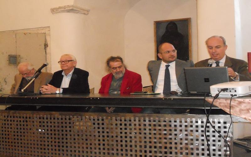 Da sinistra: il prof. Del Gobbo, il prof. Granat, il pittore Torregiani, il sindaco Castelli, il prof. Papetti
