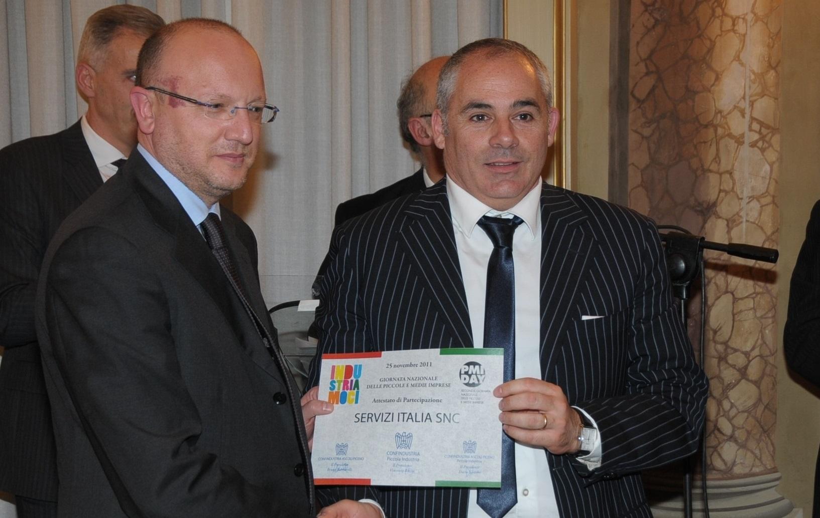 Vincenzo Boccia premia Giovanni Tardini