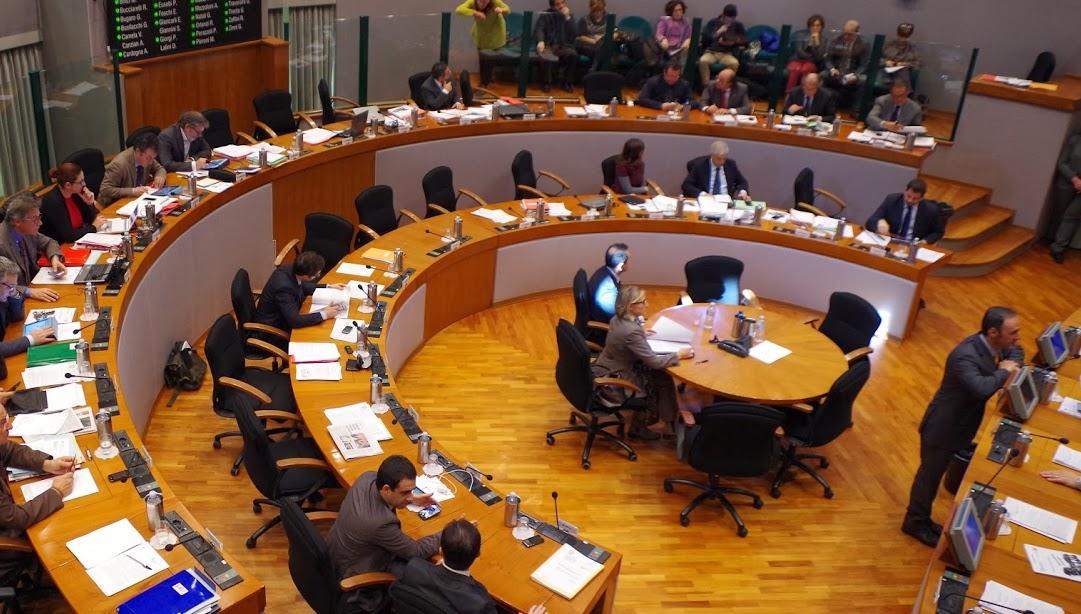 Comitato possibile 39 area fertile 39 provincia di ascoli for Presenze parlamento