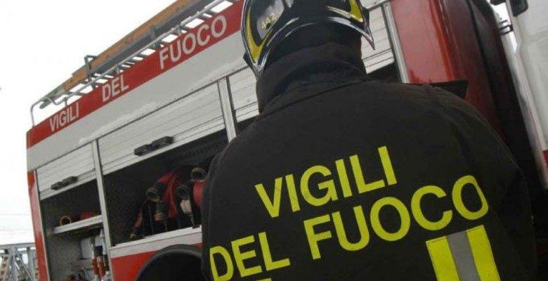 Crolla il tetto di una scuola: tragedia sfiorata a Fermo