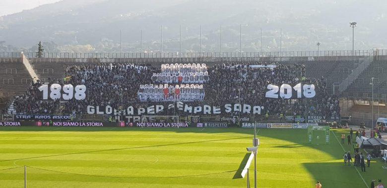 120 Ascoli Calcio, coerografia (foto Adelaide Lelli)
