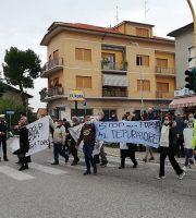 protesta a Castel di Lama ( comitato Aria Pulita)
