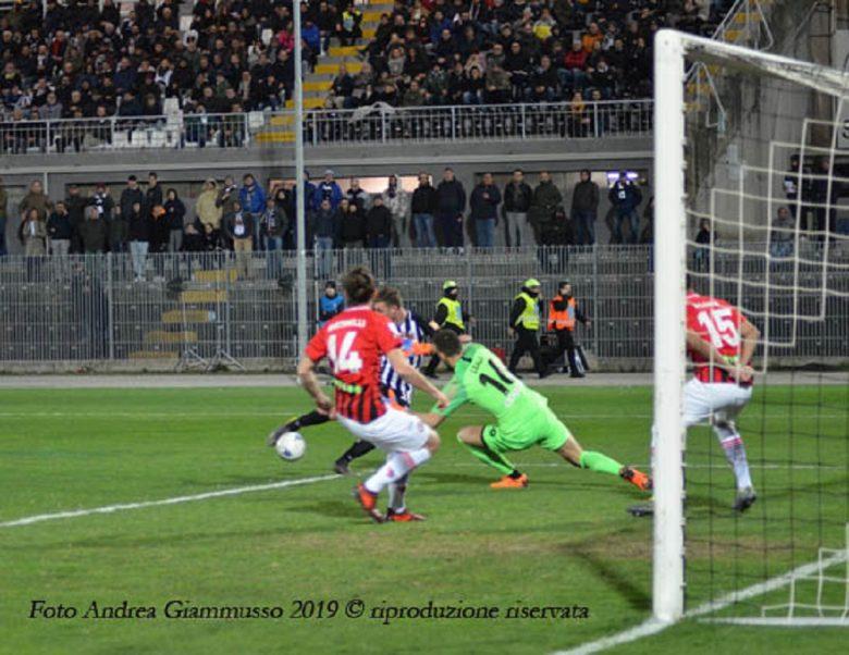 Ascoli-Foggia, gol Rosseti