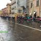 Giro d'Italia ad Ascoli, ciclisti in piazza Arringo